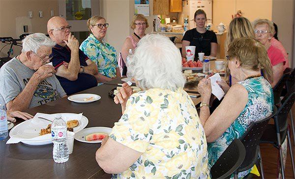 HS HW Seniors Eating 2019 07 10 V04